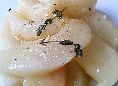 Fondant mi-cuit de radis noir, poire et navet, fumée de thym et lapsang souchong