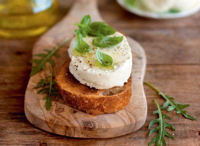 Petit fromage en saumure au kéfir et citron