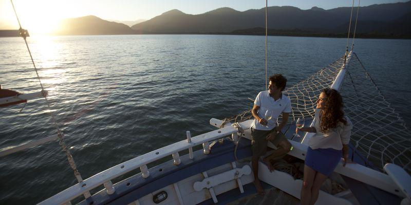 bateau coucher de soleil Brésil