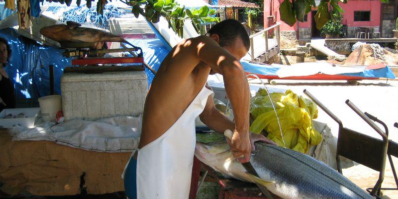 Brésil homme poisson couteau
