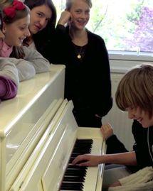 Un nouveau piano pour le collège Rimbaud Babeldoor