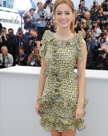 Ahna O'Reilly robe cannes 2013