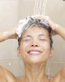 shampooing se laver les cheveux