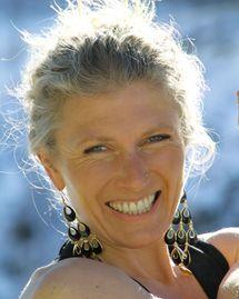 Charlotte Saint Jean enseigne le yoga