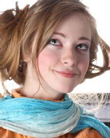 femme blonde sourire