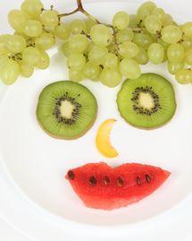 assiette fruits legumes cru visage