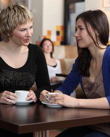 femme amitié café détente