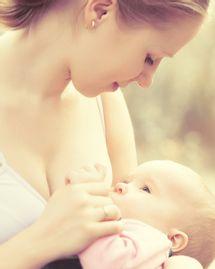 allaiter allaitement sein bébé maman