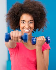 femme métisse forme sport énergie sourire