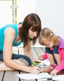 femme et enfant apprendre