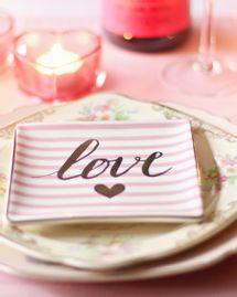 repas amoureux restaurant rose couple