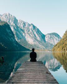 meditation montagne lac