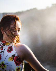 4 brumes bio pour rafraîchir son visage pendant l'été