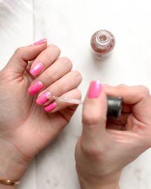 Vernis à ongles naturels et free : les tendances de l'été 2020