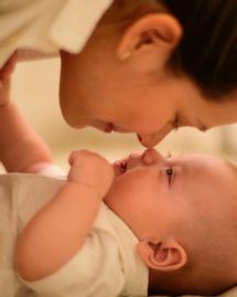 Langage des signes : 5 signes à apprendre avec son bébé