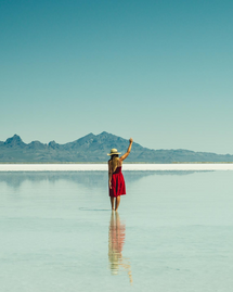 12 accessoires éthiques pour un été intensément rouge