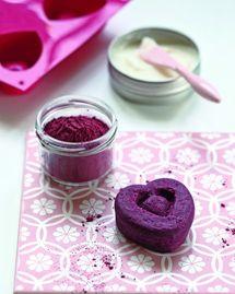 Shampoing à la poudre d'hibiscus pour les brunes