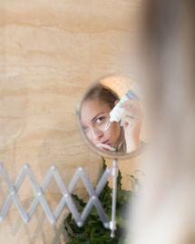 5 méthodes alternatives naturelles pour en finir avec l'acné