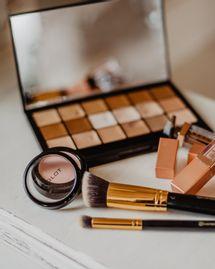 Acné : comment maquiller une peau acnéique ?