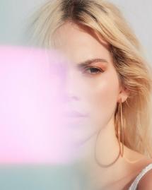 12 produits de soins et de maquillage bio pour avoir un teint hâlé à la rentrée