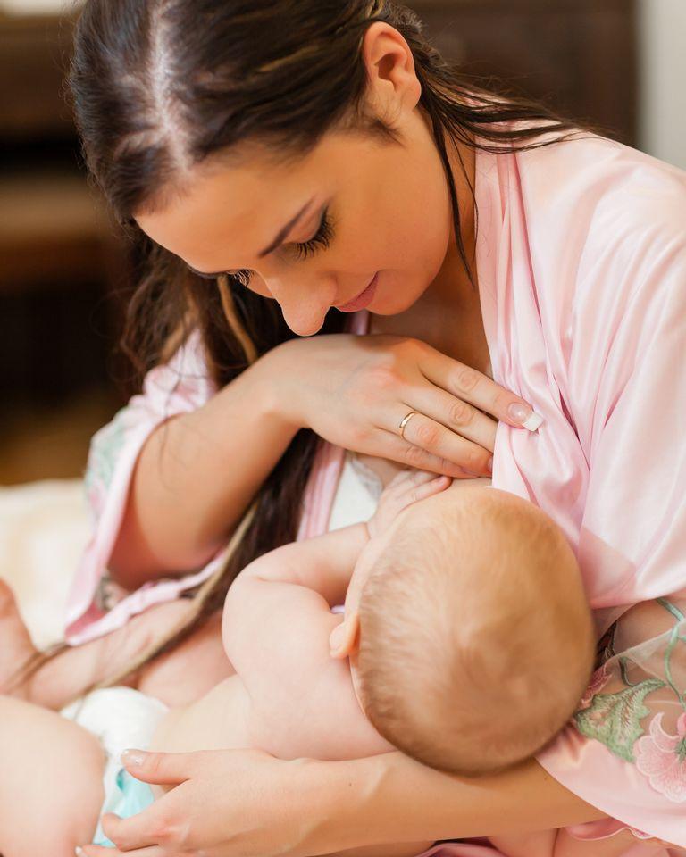 allaitement maman bébé lait maternel