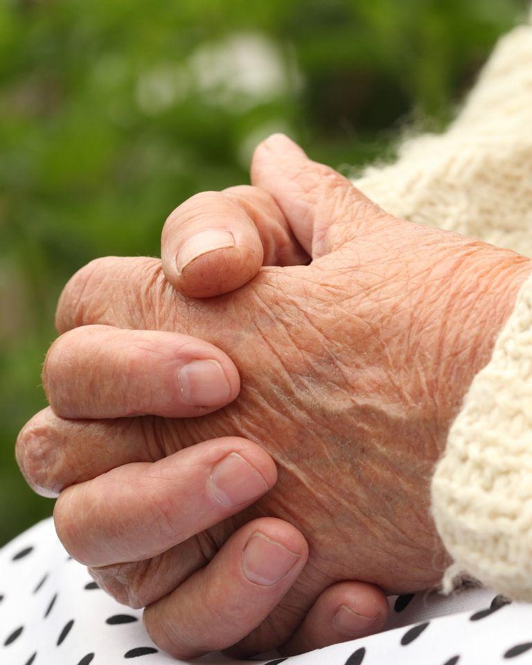 alzheimer personne âgée mémoire