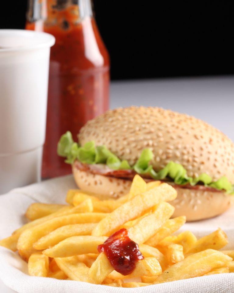 Malbouffe et sédentarité sont les principales causes du syndrome métabolique ou maladie du gros mangeur