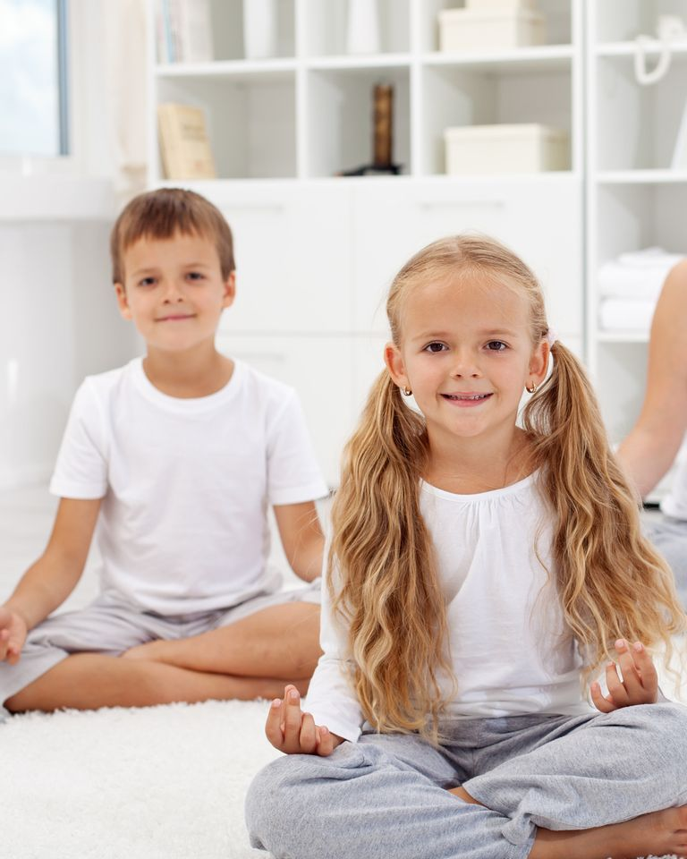 yoga méditation enfant famille