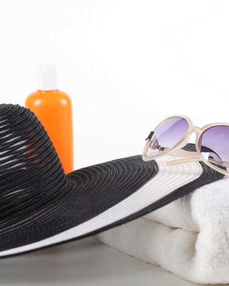 chapeau soleil lunette bronzage