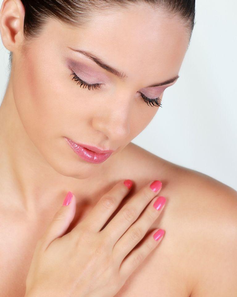 femme ongles manucure vernis
