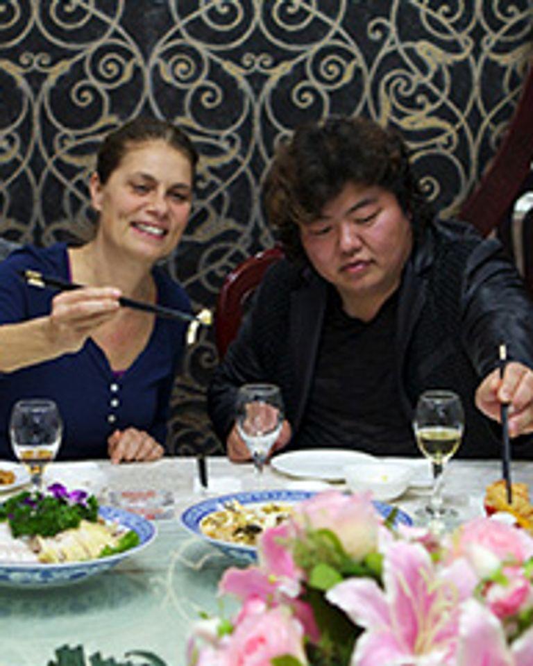 Les aventures culinaires de Sarah Wiener en Asie: le tofu en Chine, Arte
