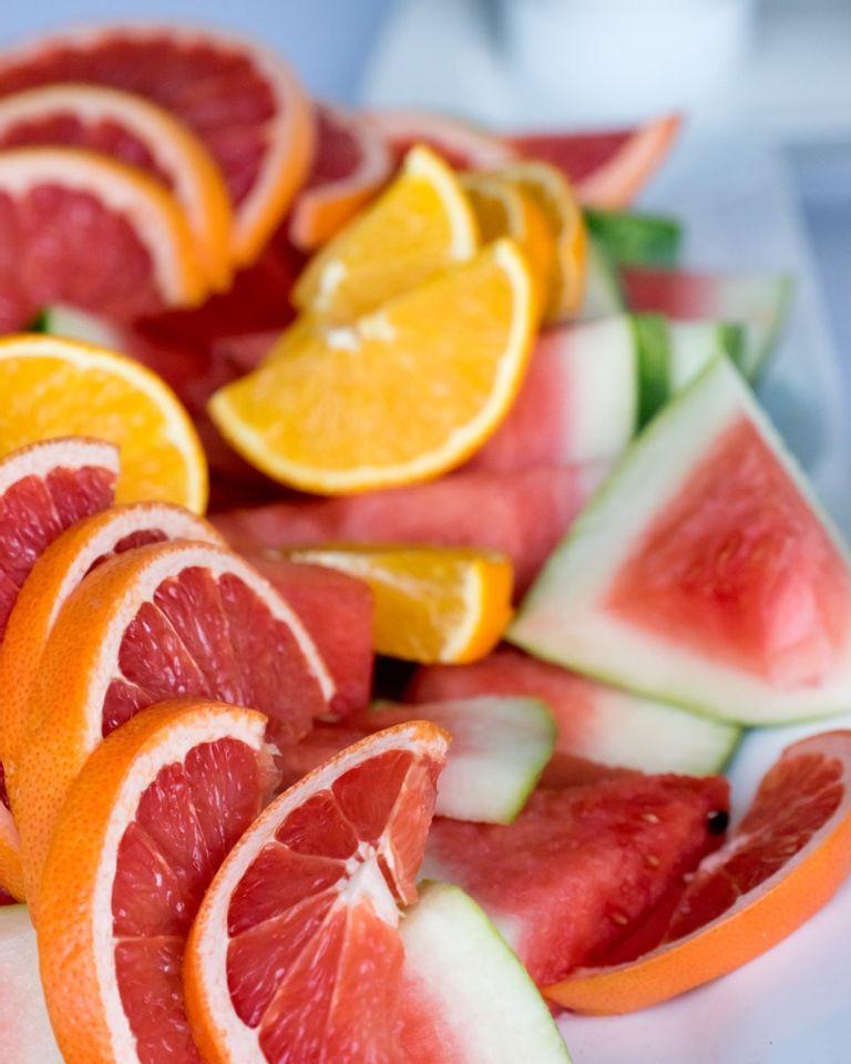 Fruits crus agrumes pamplemousse pastèque orange