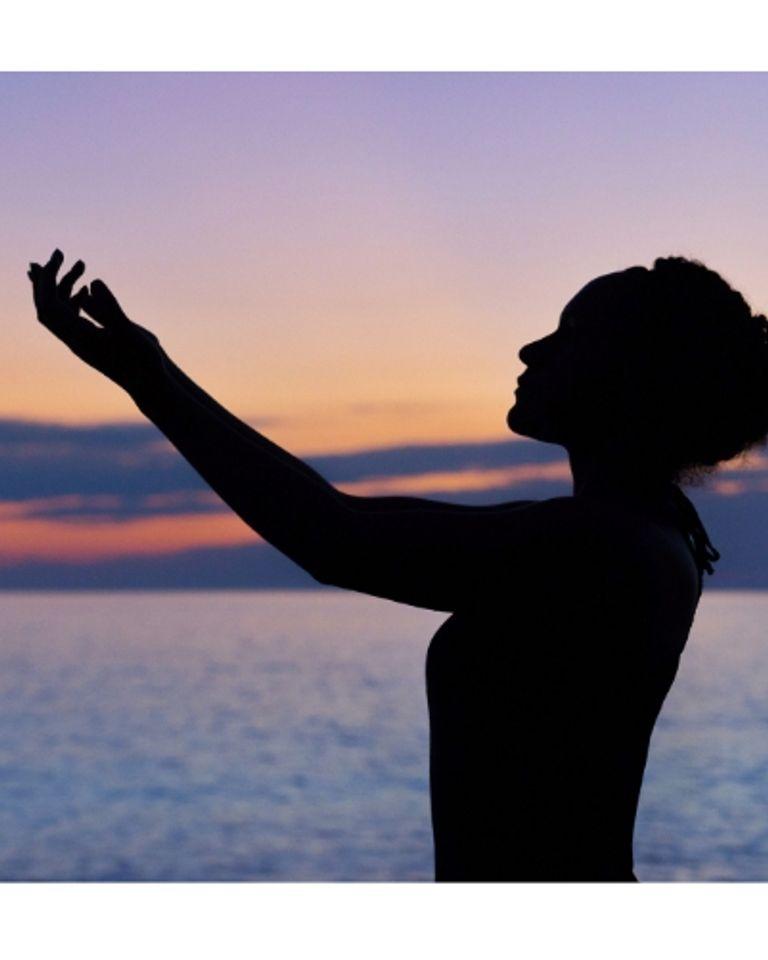 Femme, spiritualité, énergie, mer