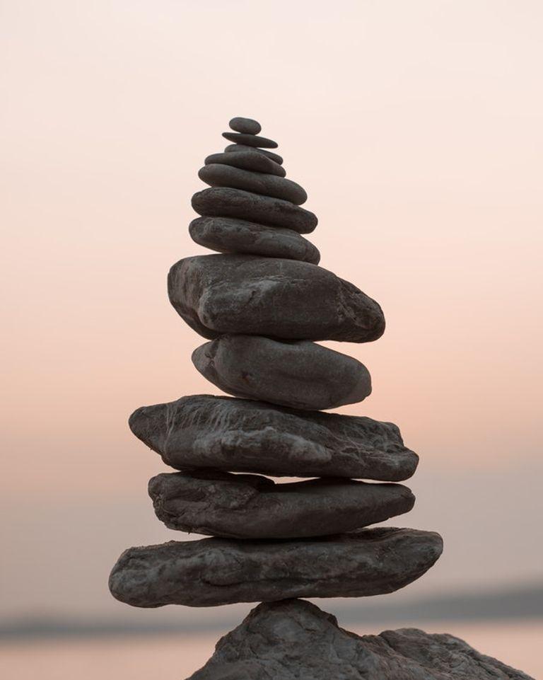 pierres équilibre