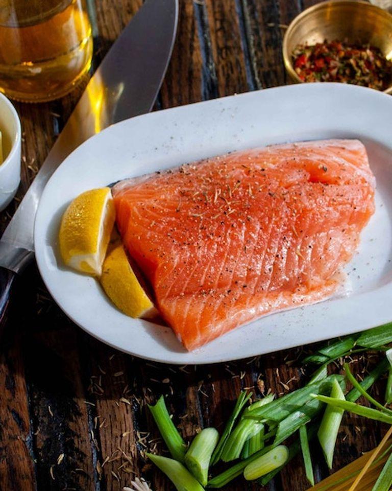 assiette saumon cétogène