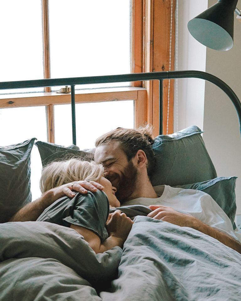 Baisse de libido : 4 huiles essentielles pour stimuler le désir dans votre couple