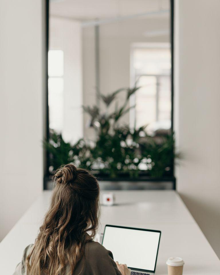 Comment éviter d'être sédentaire en travaillant à la maison ?