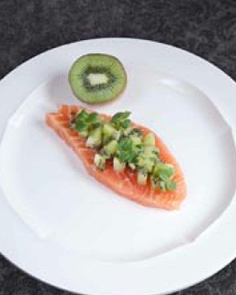Pavé de saumon en ceviche et au kiwi