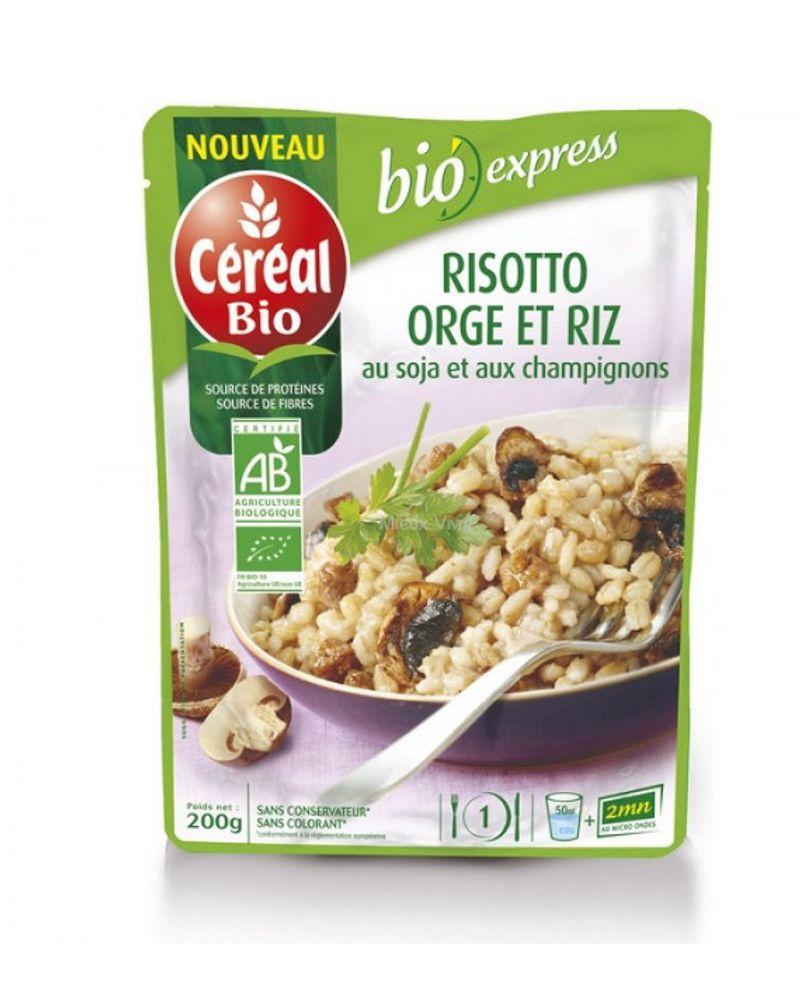 Le risotto orge et riz au soja et aux champignons
