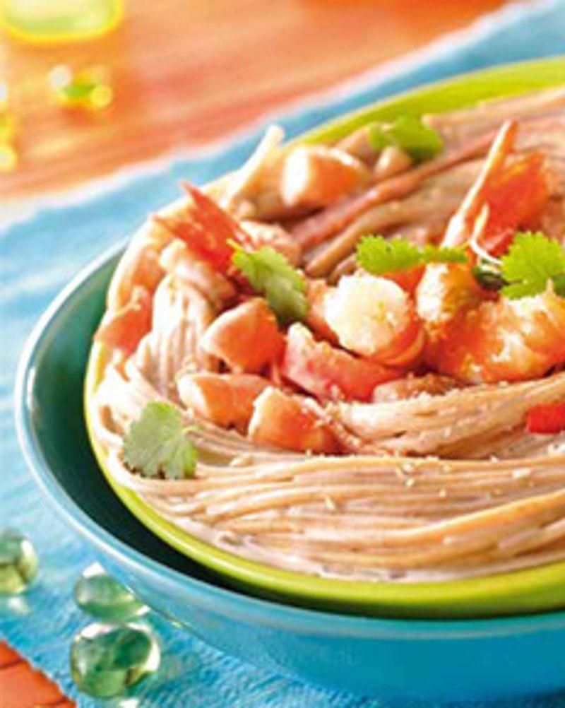 Spaghetti de petit épeautre aux crevettes et lait de coco