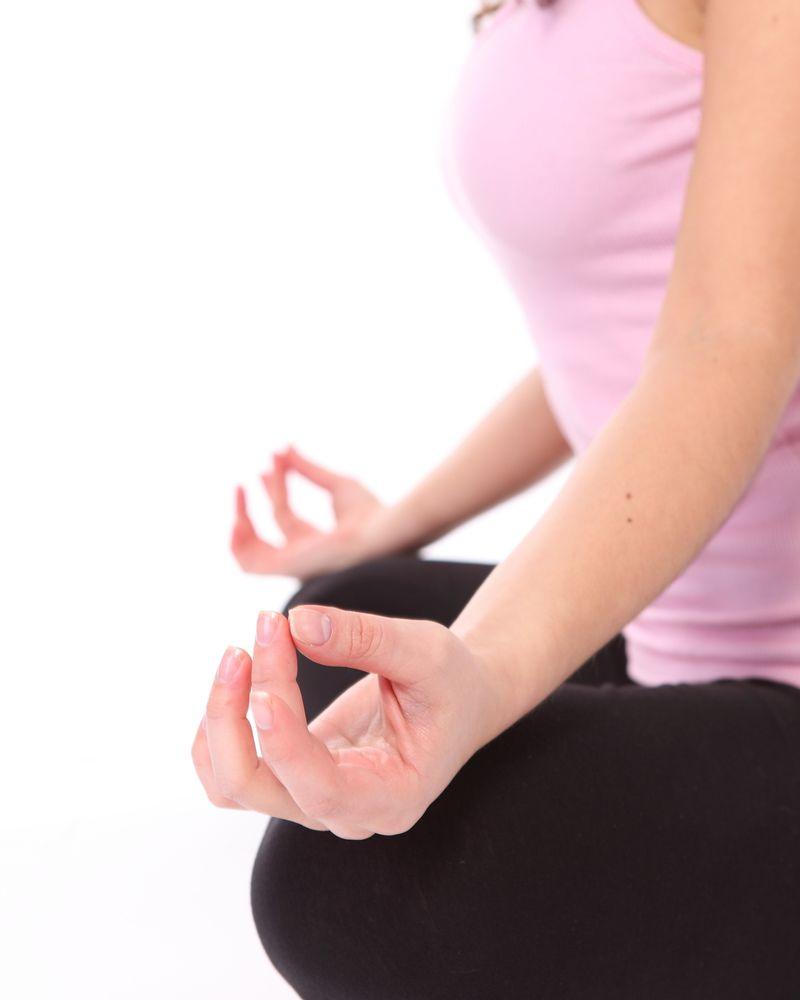 main femme méditation