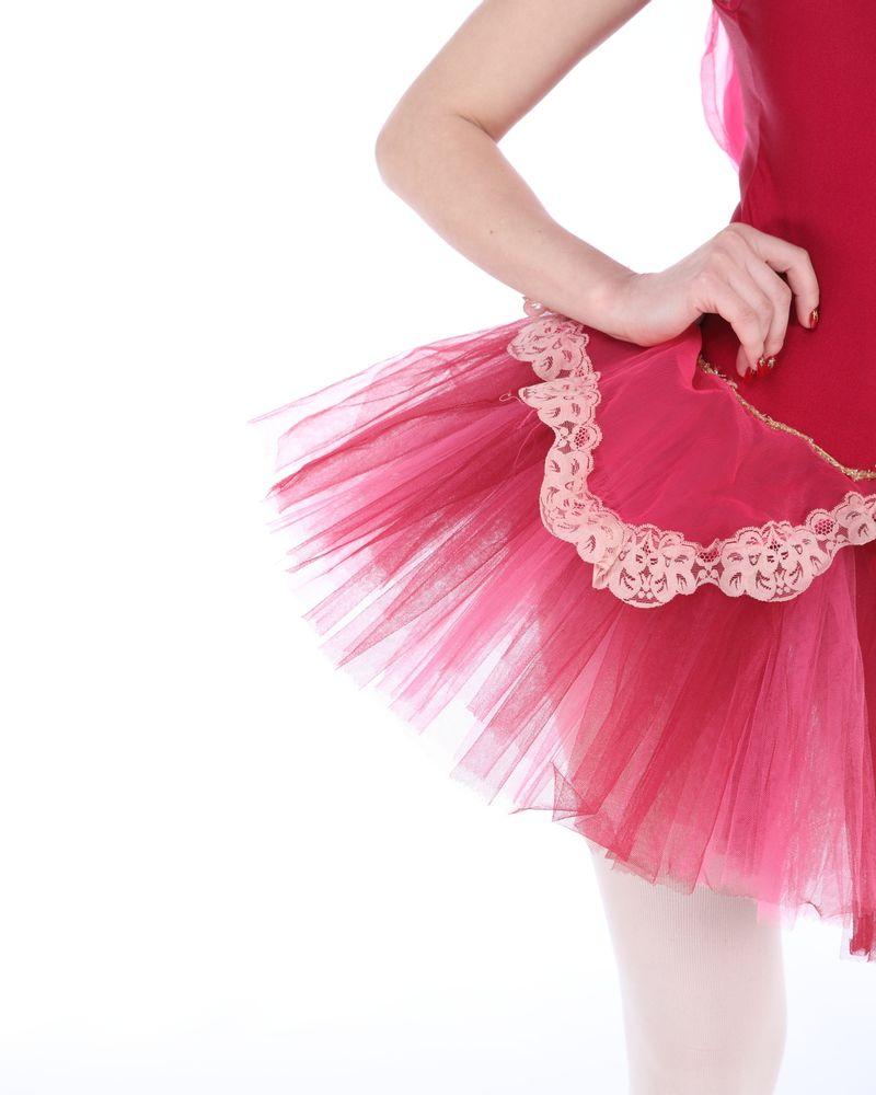 femme tulle rose danseuse