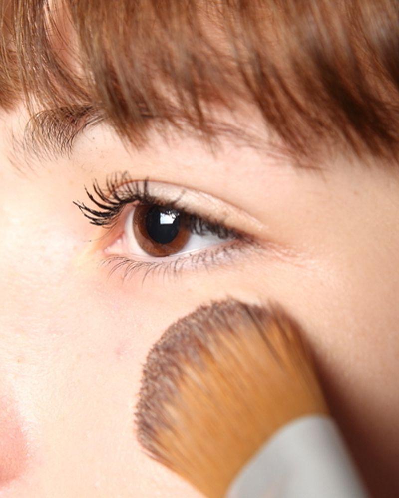 poudre maquillage femme peau visage