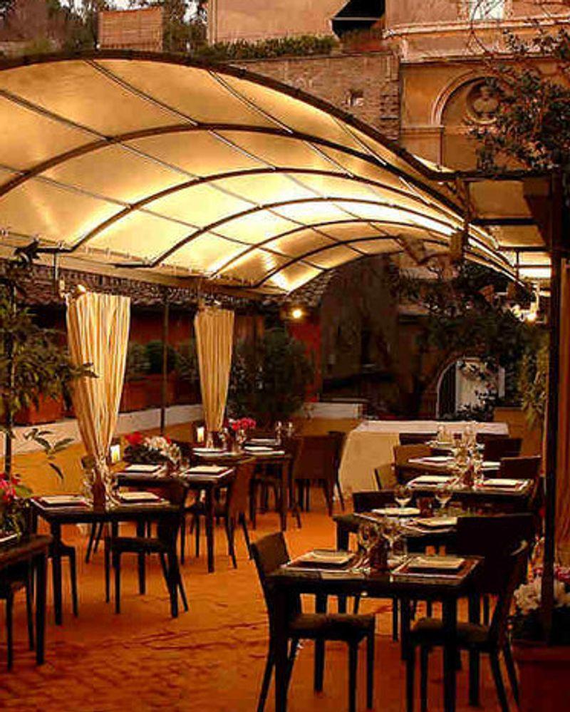 Un tour à Rome par l'Association Végétarienne de France - Restaurant Aristogatta