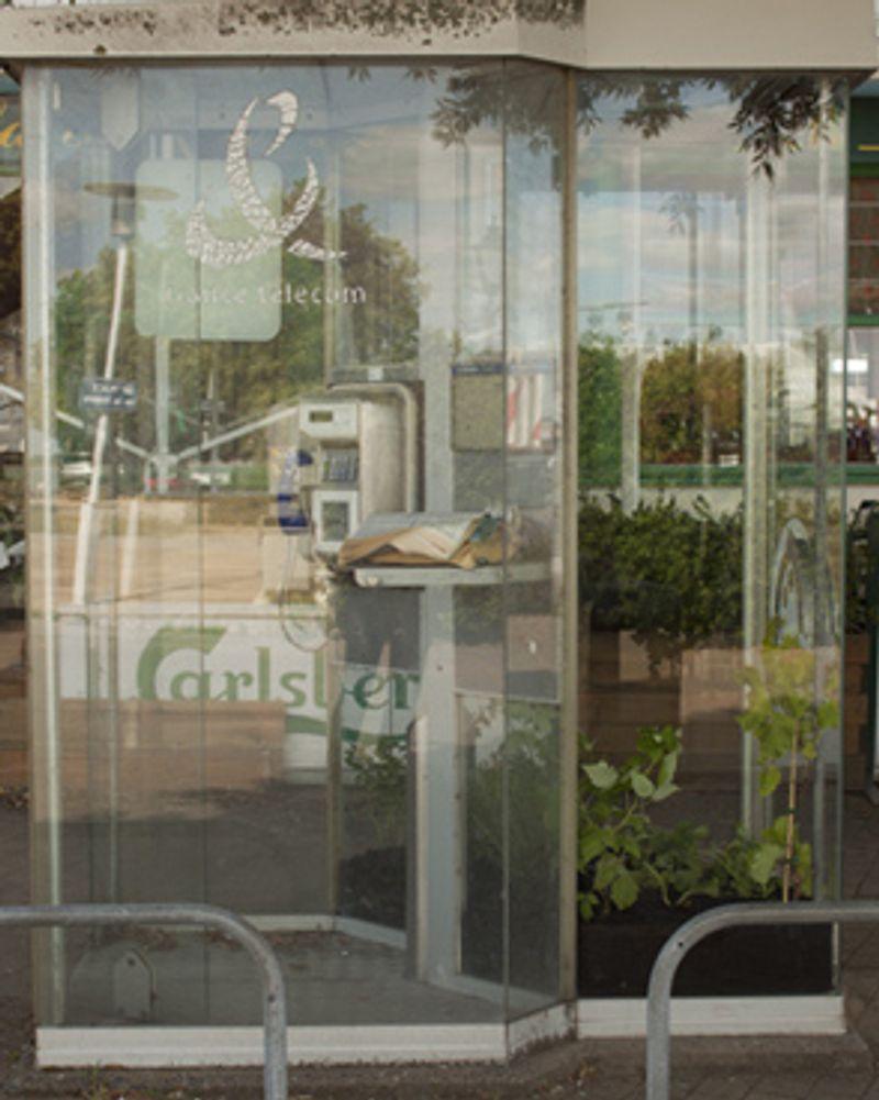Emig Troels cabine téléphonique verte