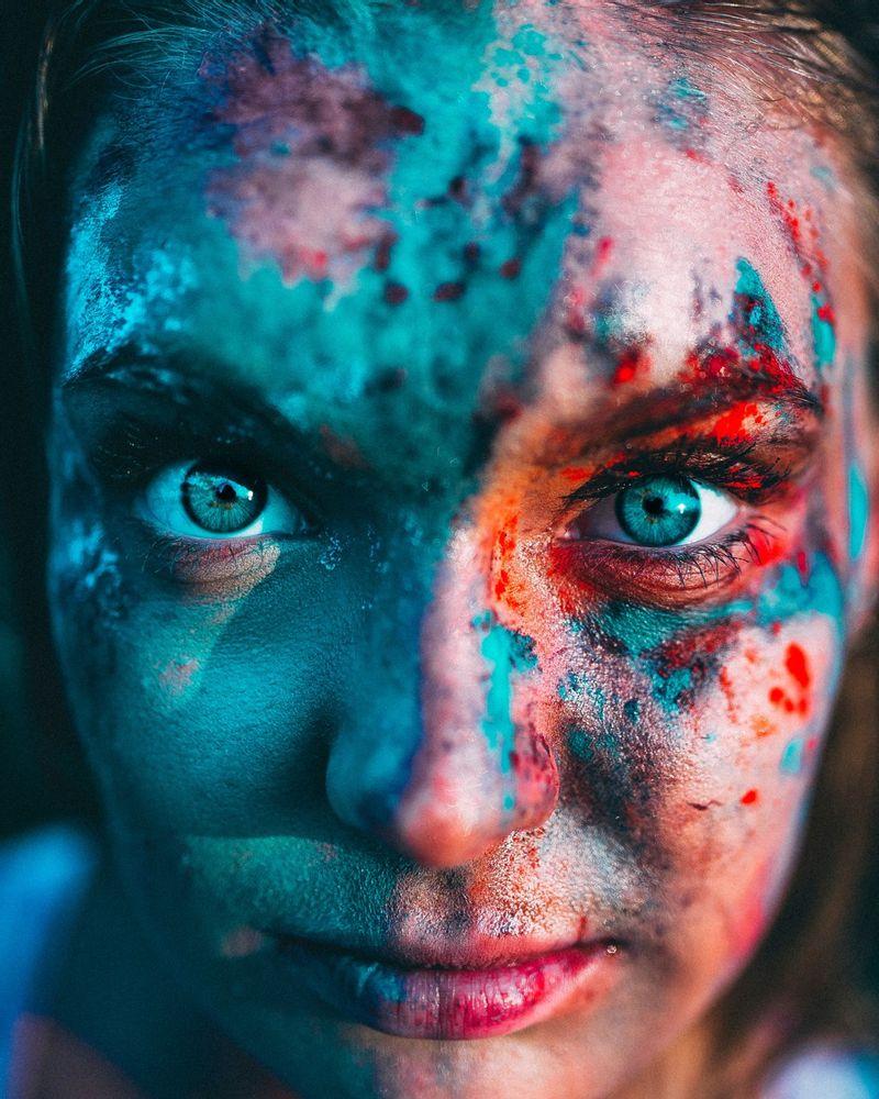 yeux femme maquillage peinture