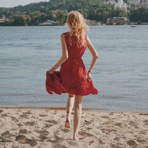 Mode éthique : 10 robes colorées et légères à porter cet été