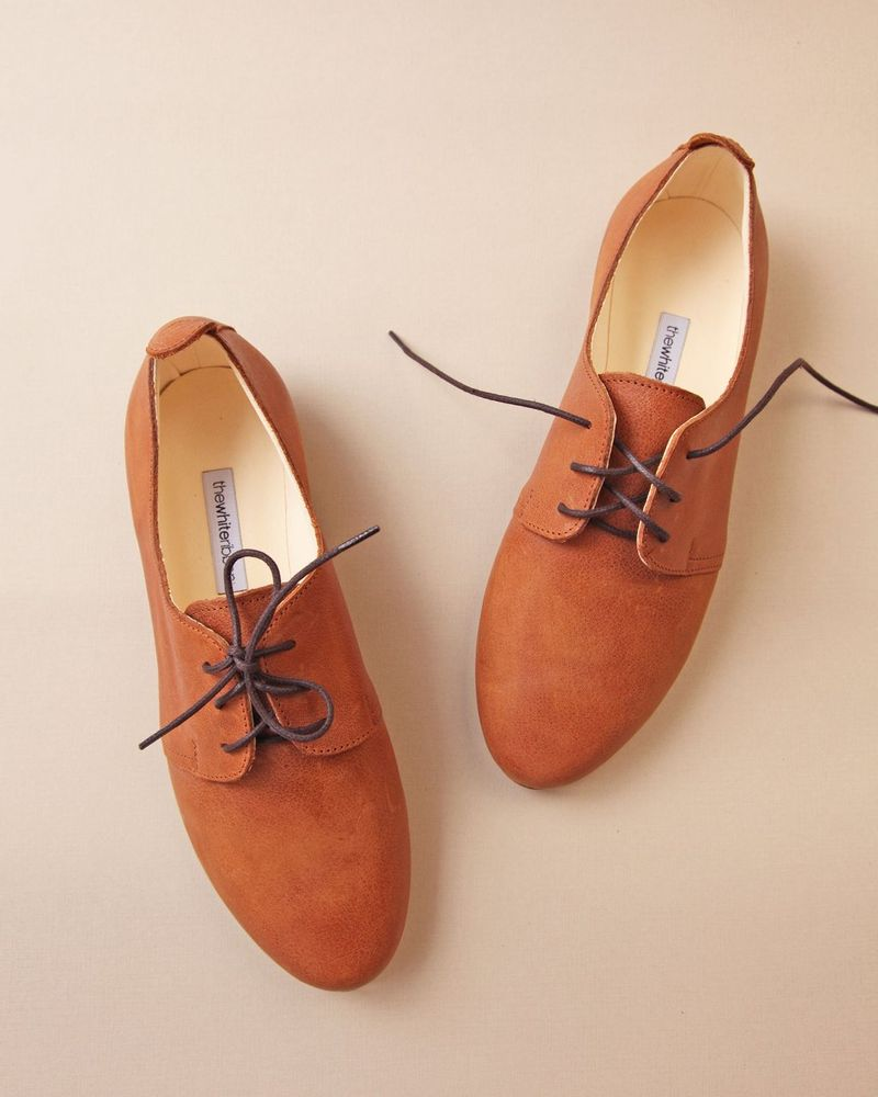 "The white ribbon, derby ""Oxford shoes"""