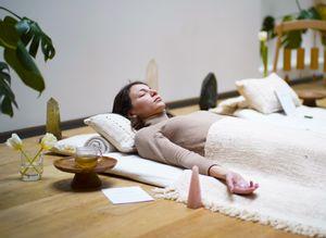 J'ai testé : le lit de cristal, un soin de lithothérapie immersif