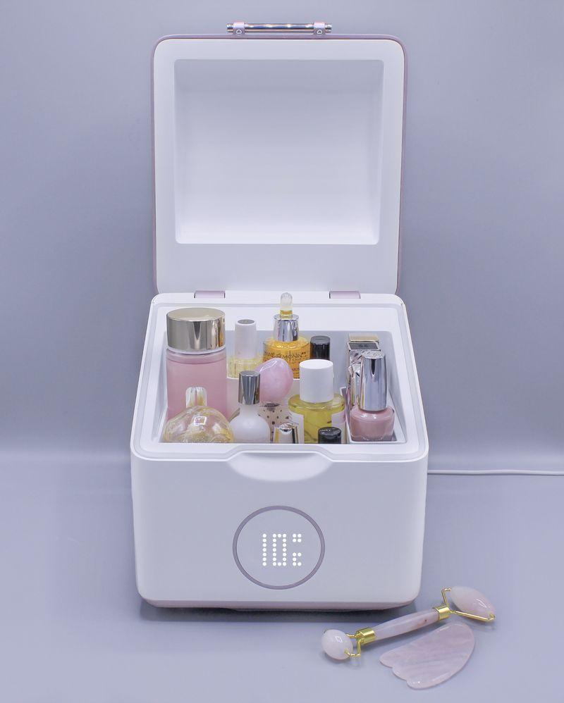 Beautigloo, mini réfrigérateur à cosmétique basse consommation